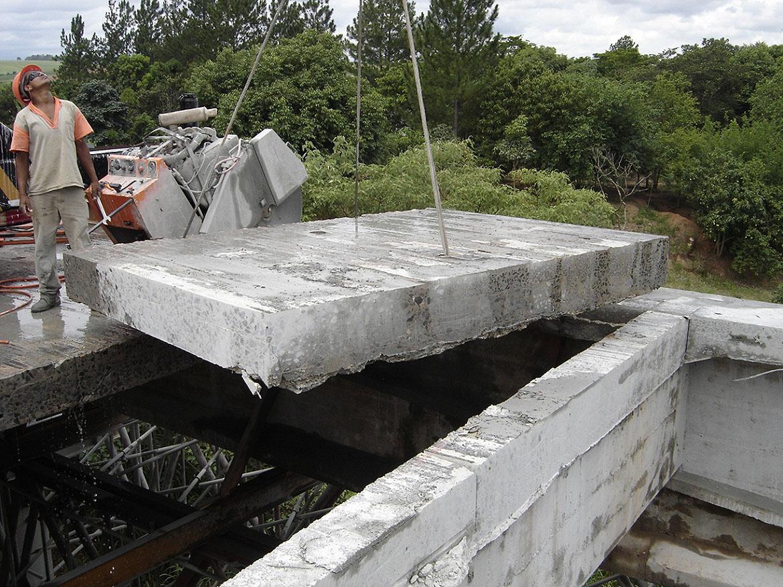 servico-demolicao-ponte-rio-partdo1
