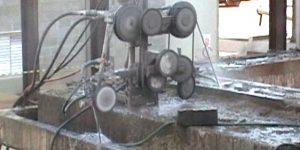 corte em laje de concreto entre redutor e a moenda utilizando fio diamantado