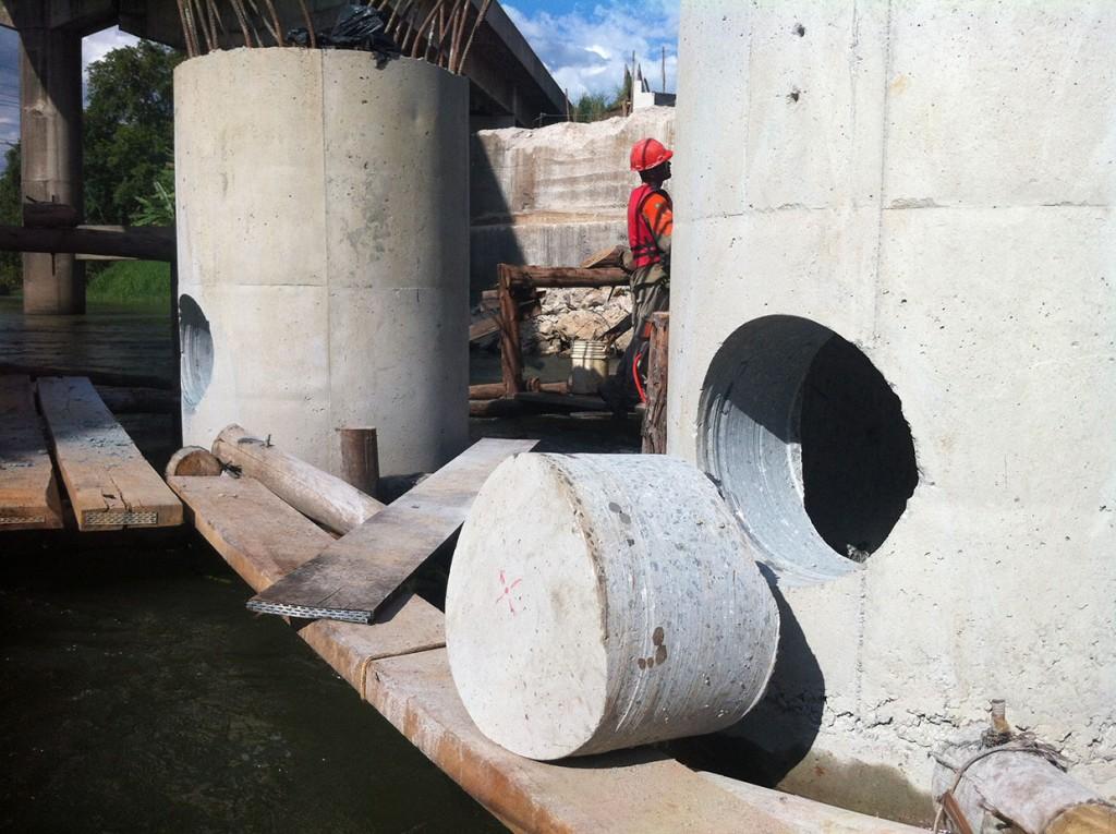 perfuração em concreto tubulão