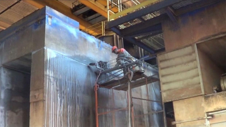 corte em concreto com fio diamantado na base do desfibrador em Usina Total Cana - Bambuí - Minas Gerais