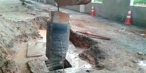furo sobre o pilar na base de concreto em Fábrica de refrigerantes - Duque de Caxias - Rio de Janeiro