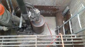 furos em concreto em usina hidrelétrica